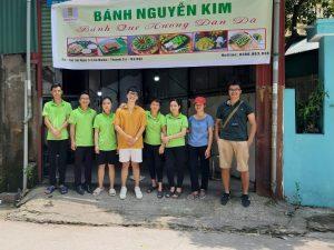 Ảnh tập thể bánh Nguyễn Kim